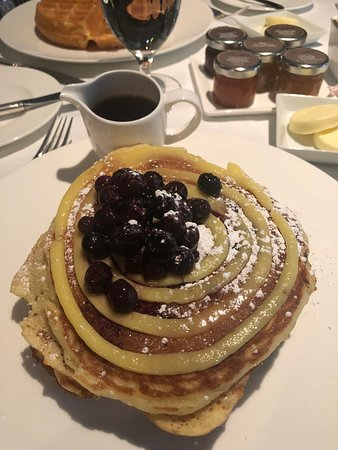Delicious breakfast at the Polo Lounge