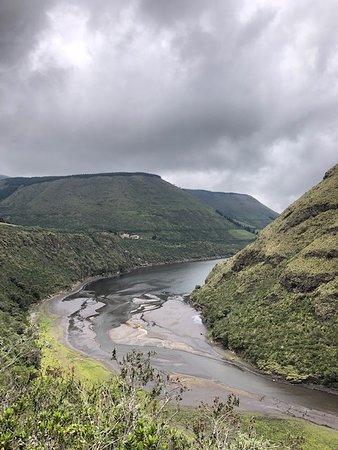 Pintag, Ecuador: Vista de la Laguna