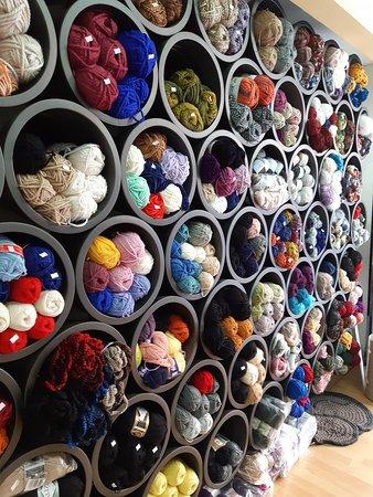 Gytheio, Hellas: Yarn Shop