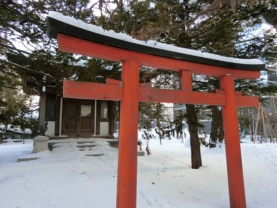 Daikaku-ji Temple: 大覚寺~境内の豊川稲荷鳥居
