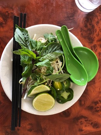 Pho Da Cao: Toppings for soup