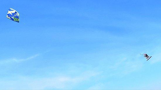 Bangkala, إندونيسيا: Strongest wind in Indonesia = big air