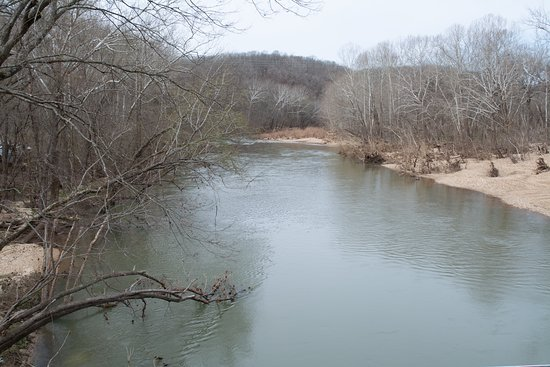Devils Elbow, MO: And a downstream view from the bridge. (Guess I should have a picture of the bridge as well. Didn't I take one?)
