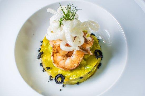 Azafran Restaurante Bar: Avocado and Mango Tartar with Shrimp