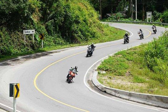 Tour de 3 días en moto de Mae Hong...