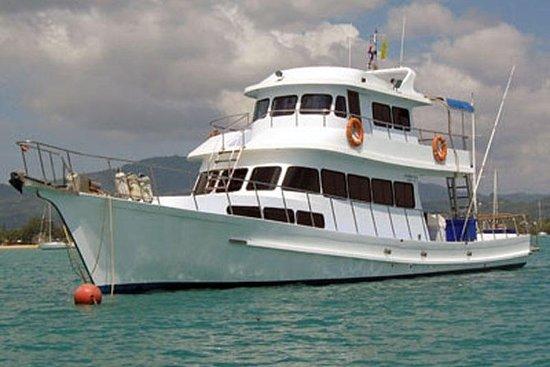 钓鱼直播乘船游览斯米兰群岛