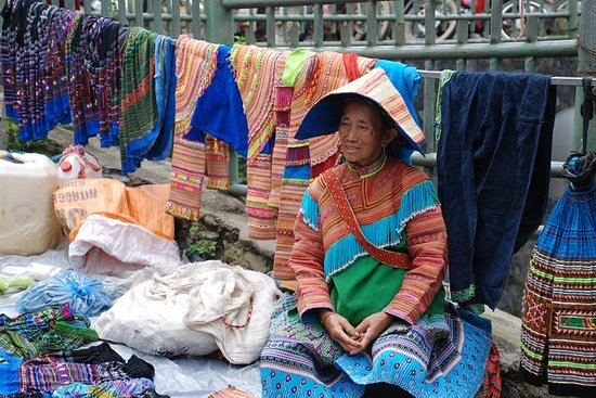 Amazing 3-day Sapa & Bac Ha Market by deluxe bus - Overnight hotel