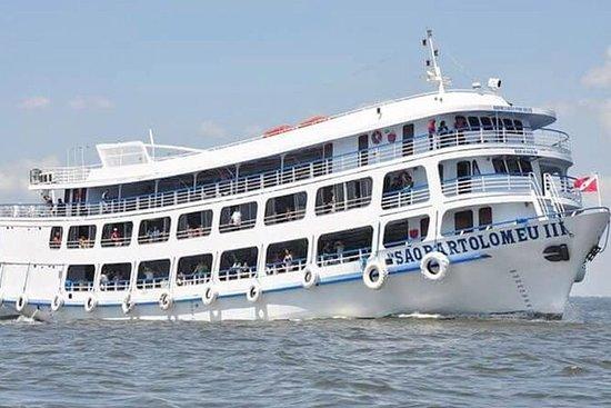 乘船到马瑙斯到圣塔伦