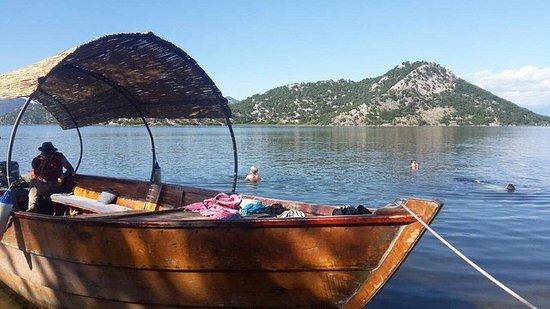 一日游:Virpazar镇和波德戈里察1小时的Skadar Lake游船之旅