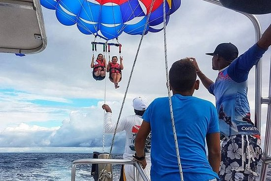 Roatan Parasailing and Beach Break
