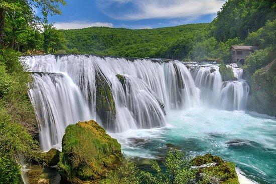 Besuchen Sie die Kravice Wasserfälle
