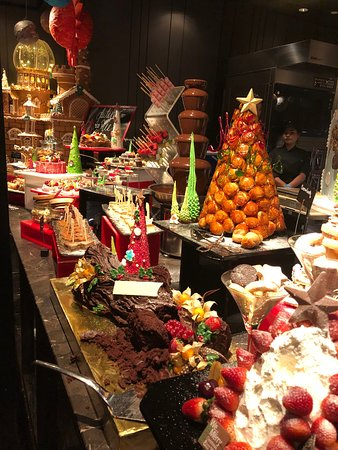 Endless dessert and pastry options!