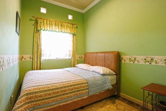 Kulem Cisitu: 3 bedroom rooms