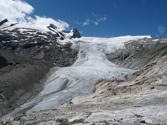 Gletscherweg Innergschloss - Bellissimo ghiacciaio austriaco il cui attraversamento al di la delle apparenze è abbastanza faticoso e da non sottovalutare, la parte più insidiosa è quella sinistra.
