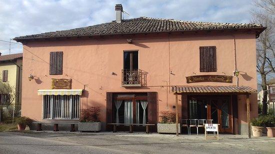 Samboseto, อิตาลี: vista esterna del locale