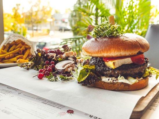 Jede Woche neue Specials auf der Wochenkarte, z.B. Happy New Year Burger