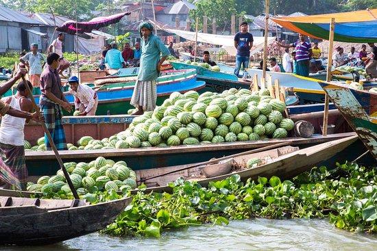 Район Барисал, Бангладеш: Floating Fruit Market