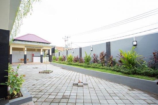 RedDoorz Hostel @ Raya Canggu: Area