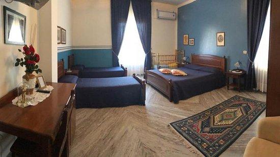 Castelnuovo Cilento, Италия: camera familiare
