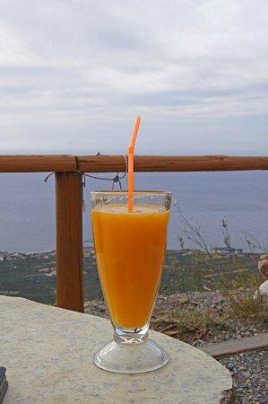 widok z tarasu - Picture of Beata's Orange Juice Bar, Chania Town