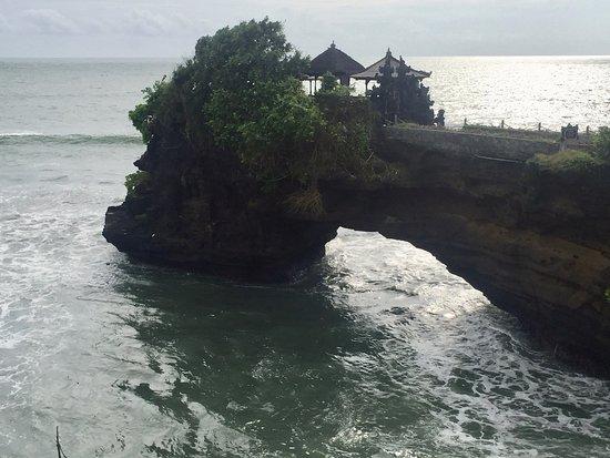 Pura Batu Bolong
