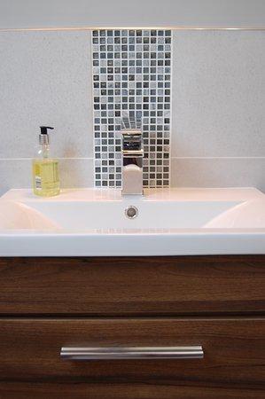 Symonds bathroom