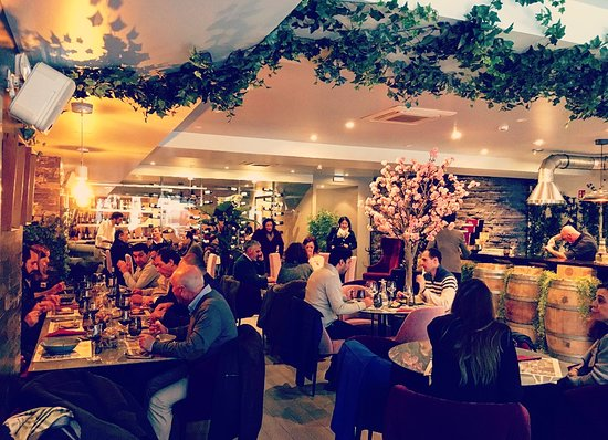 Cosy atmosphere at lunch time