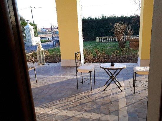 Tessera, Italia: מלון ניחמד יש מרפסת לצאת לעשן וגם עברות לשדה תעופה,כן בכסף 15 יורו לזוג עם שרות ויחס לאורחים מומלץ