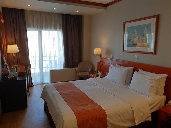 Holiday Inn Thessaloniki: A double room