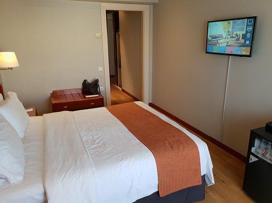 Holiday Inn Thessaloniki: A nice double room