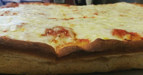 Chesterbrook, PA: Traditional Pizza