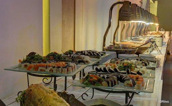 Carlton Nahariya: Custom, Kosher, Catering