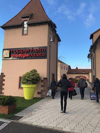 Roppenheim Outlet öffnungszeiten Heute
