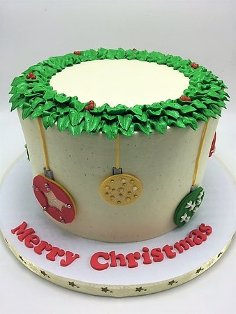 Cockeysville, MD: Christmas wreath and ornament cake