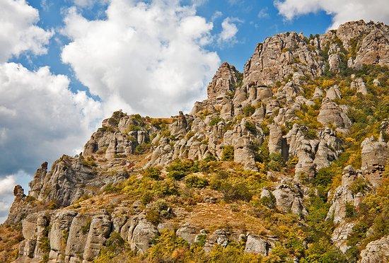 Alushta Municipality: Демерджи - одно из самых загадочных и красивых мест Крыма.