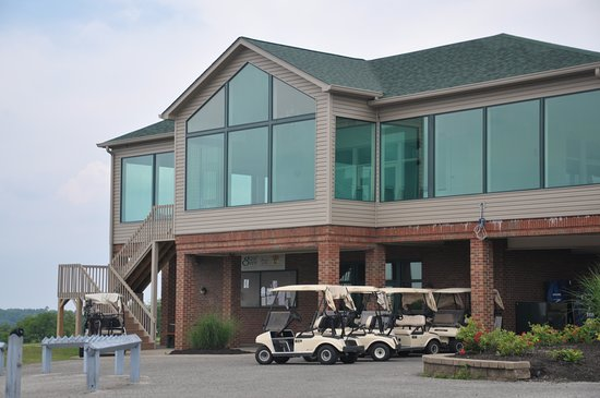 Grand View Golf Club: The Clubhouse