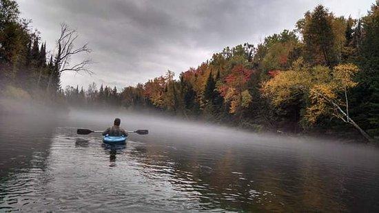 Glennie, Мичиган: Fall kayaking