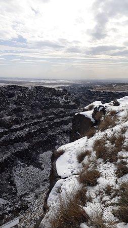 Artashavan, أرمينيا: Kasakh canyon, near Saghmosavank monastery
