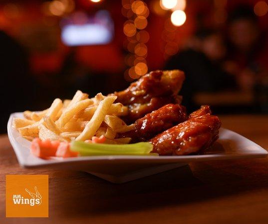 MM Wings: Alitas acompañadas de salsas a su elección