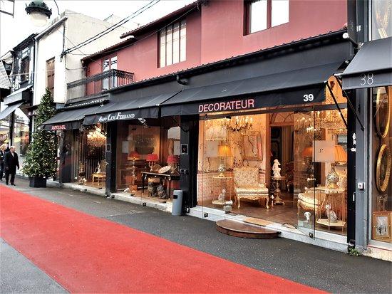"""Saint-Ouen, Frankrig: Boutiques 39-40-41 de """"Jean Luc Ferrand"""""""