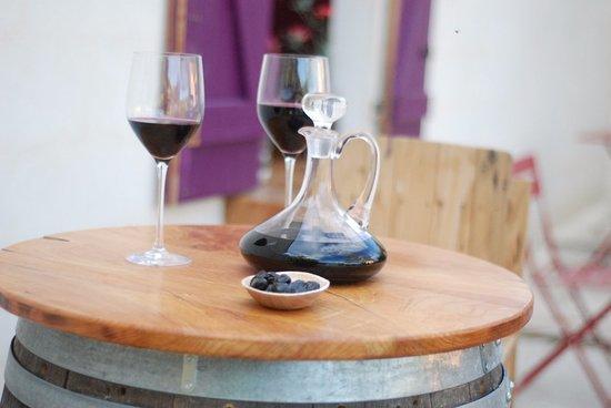 Le salon de thé et bar à vin