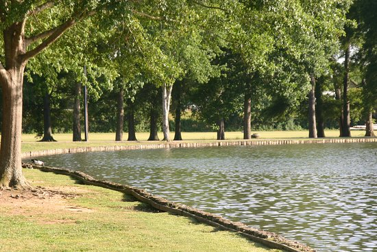 Oxford Lake Park