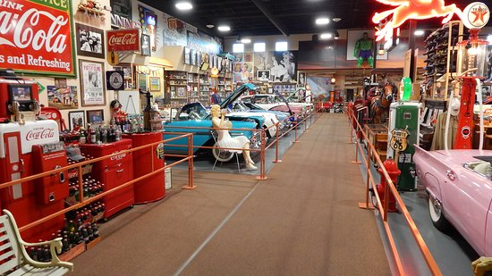Glenrio, NM: Russell's Travel Center free Route 66 museum