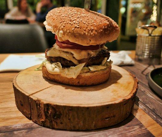 Γαλάτσι, Ελλάδα: Burger