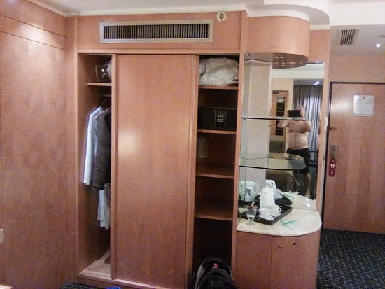 Leonardo Plaza Hotel Jerusalem: Closet, Shelves With Safe. Lower Cabinet  Has Fridge.