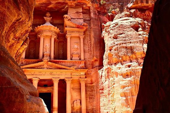 5-Day Jordan and Egypt: Petra and...