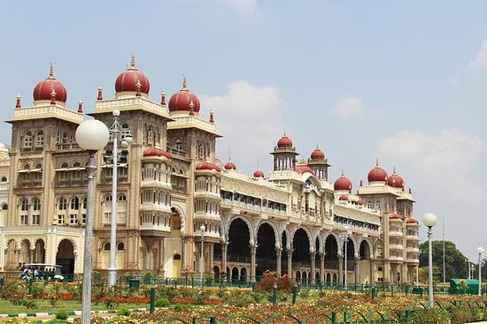 Private Tour: 2-Day Mysore Palace and...