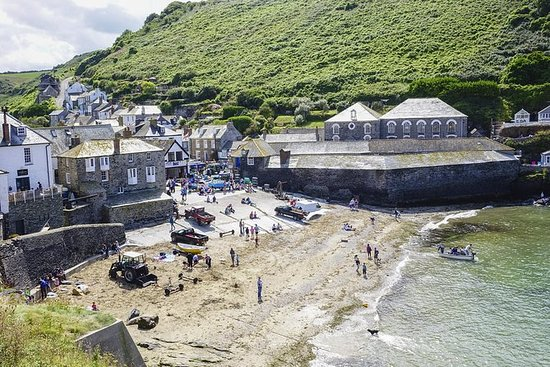 Private, Full-Day Tour to Port Isaac...