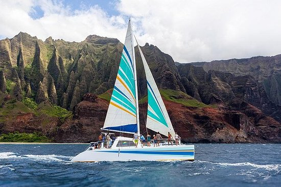 Na Pali Coast Kauai Snorkel and Sail