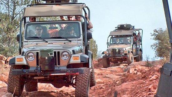 Diamondback Gulch 4x4 Open-Air Jeep...